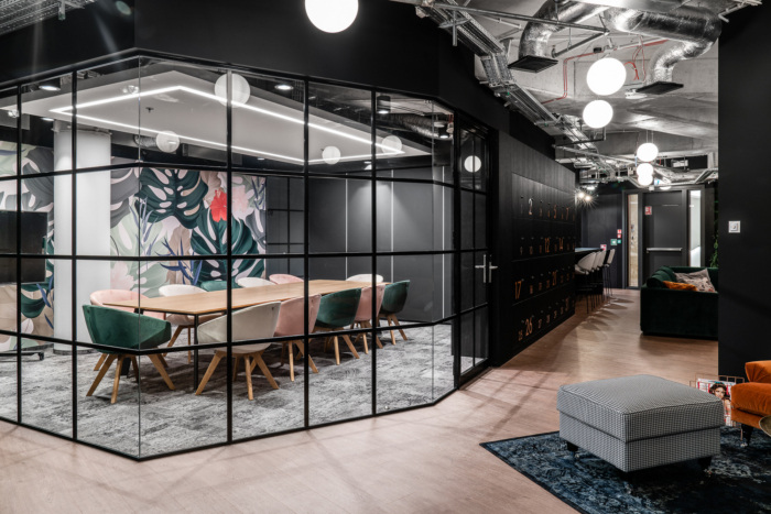 6 office design ideas that will make your workplace unique.